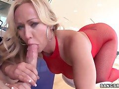 Fair-haired milf Austin Taylor enjoys broad in the beam cock