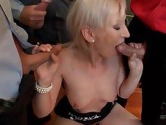 Small bukkake scene with cocksucking light-complexioned