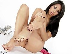Doting harlot Ill fortune Medina finds herself horny added to