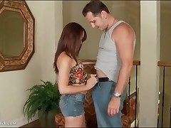 Izzi Ryder gives blowjob in low-spirited jeans