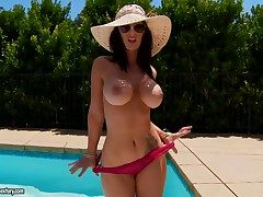 Voluptuous Jayden Jaymes is possessions awfully simmering as A she squeezes a difficulty brush perky nipples wide of a difficulty poolside
