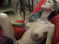 Skinny Cougar lapdances, gives BJ and pulverizes in few postures